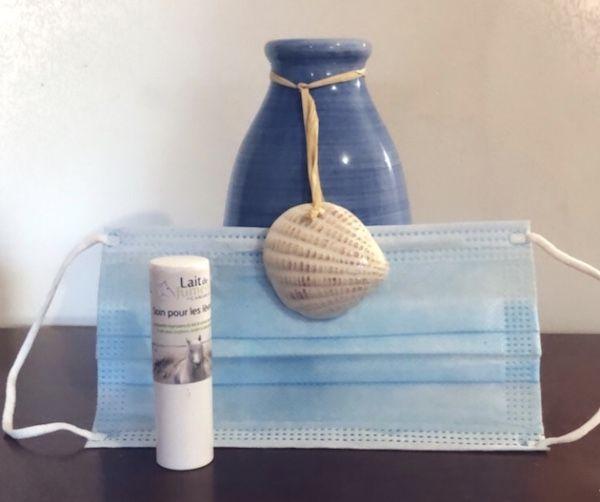 soin des lèvres au lait de jument de Camargue pour lutter contre les irritations du port du masque obligatoire