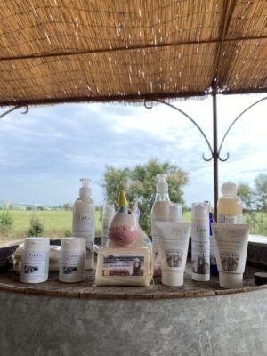produit cosmétique savon naturel et artisanal lait de jument de Camargue